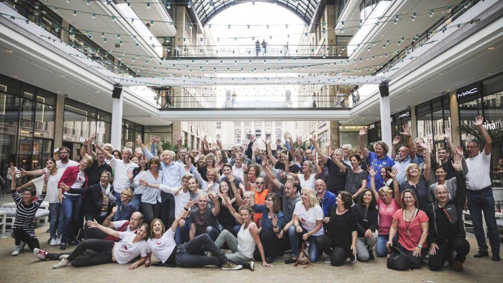 International West Coast Swing Flashmob Berlin 2017 Gruppenfoto